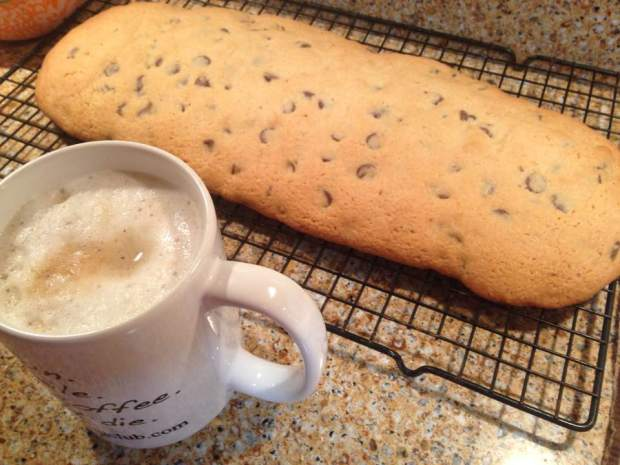 chocolate-chip-biscotti-first-bake