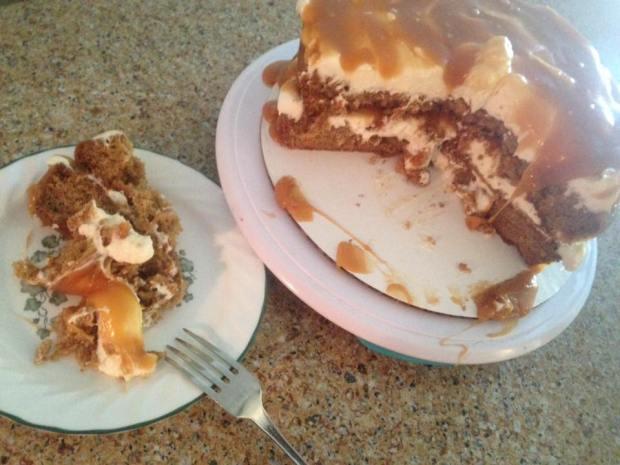 caramel-carrot-cake-piece