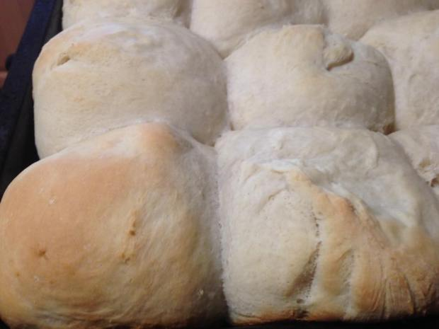 yeast-rolls-baked